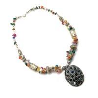 Ожерелье с каменьями и кулоном 25956